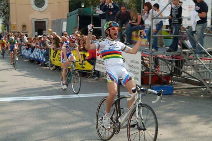 http://www.italiaciclismo.net/0007-juniores/castrocielo-ulissiesulta.jpg